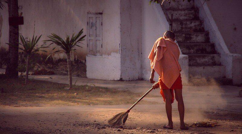 Почистващи домовете фирми и услугите